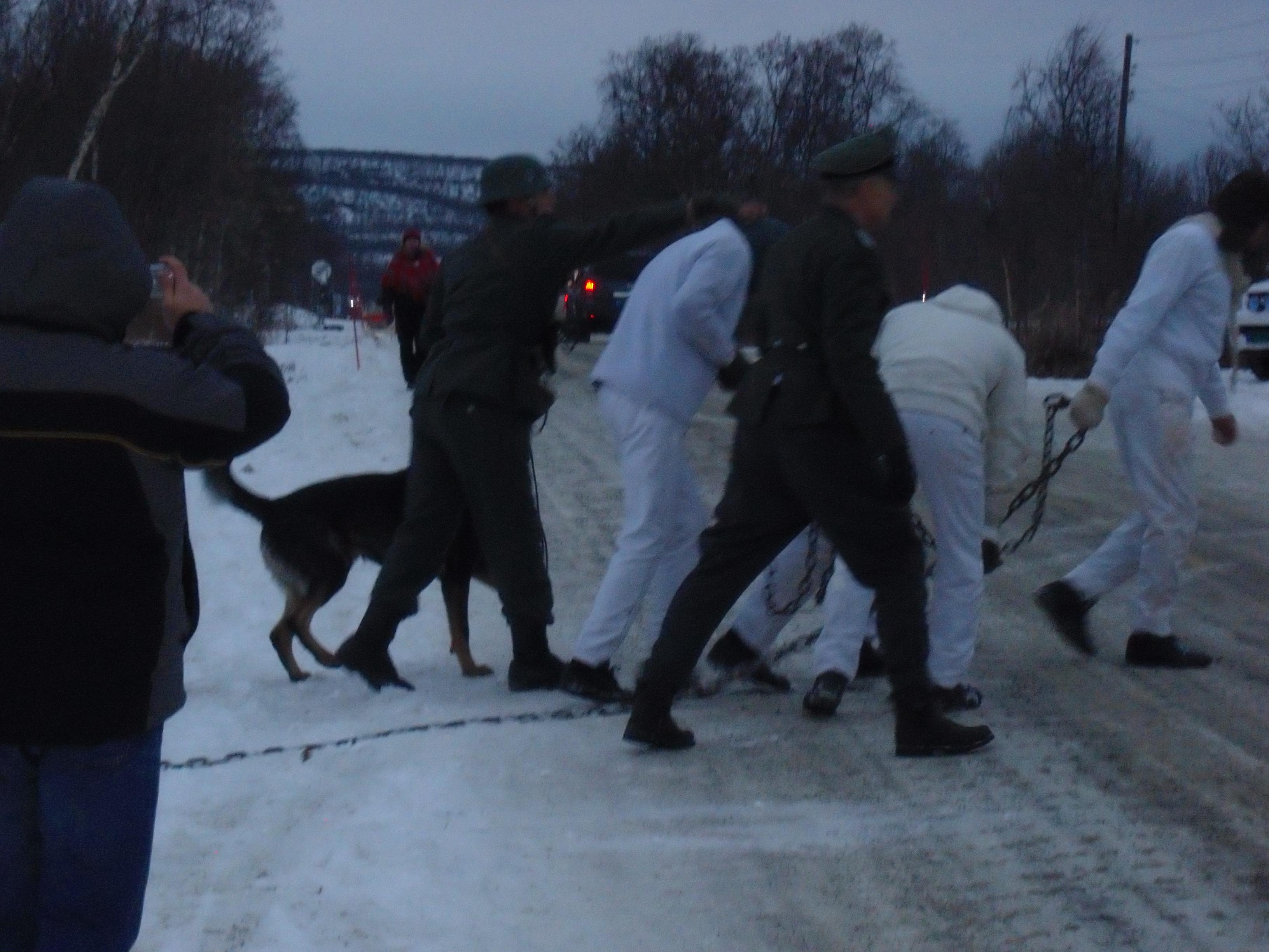Fra vandreteateret ved Tana kirke - Gestapo herjer med russefanger.