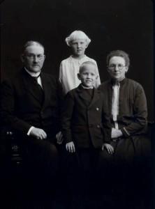 Berntine, Lars, Aud og Torstein Andreas
