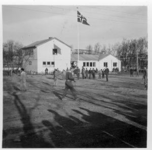 Tana herredshus i Rustefjelbma omkring 1960. Bilde mottatt av Olav E. Johansen.